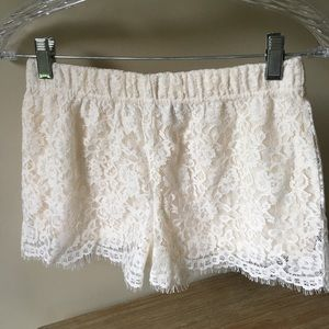 Gorgeous and chic cream lace shorts